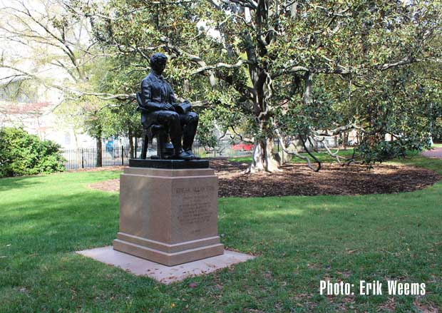 Edgar Allen Poe - Statue Richmond Virginia